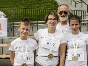 4rozgrzewka, bieg, medale i tv